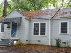 View 9 photos of this foreclosed 3 bed, 1.0 bath, 1219 sqft home at 3924 Royal St, Jackson, MS 39206. Cozy three bedroom bungalow built in 1948 with over 120...
