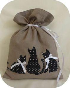 Pochon ou trousse de toilette lin et chats pois blancs et noirs : Sacs à main par passiondespetitssacs