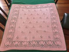 Diy Crafts - Ravelry: Project Gallery for Tulips & Rosebuds Baby Blanket pattern by Eugen Beugler Kids Blankets, Knitted Baby Blankets, Baby Blanket Crochet, Baby Knitting Patterns, Baby Patterns, Lace Knitting, Diy Crafts Knitting, Diy Crafts Crochet, Baby Shawl