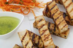 If you're on the hunt for a good vegan grilling recipe, look no further! These easy Grilled Tofu are perfect for all year round. it is served with a delicious chimichurri on the side and if you want to make it a meal you can make it in to a sandwich. Vegan Protein Sources, High Protein Vegan Recipes, Best Protein, Protein Foods, Grilled Tofu Recipes, Grilled Vegetables, Shawarma Spices, Vegan Dinners, Vegan Vegetarian