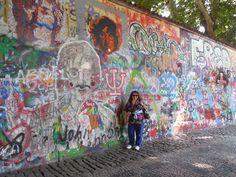 Fotografía: Andrea Mattarana - Muro de John Lenon John Lenon, Ferris Wheel, Fair Grounds, Mini, Travel, Painting, Art, Nocturne, Prague