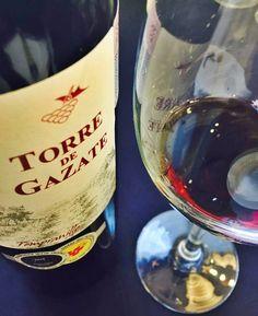Ruta gastronómica y cultural por Tomelloso - Turismo con sabersabor.es Spanish Wine, Alcoholic Drinks, Bottle, Glass, Tourism, Drinkware, Flask, Corning Glass, Liquor Drinks