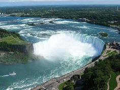 Niagara Falls - New York or Canada? Plus 8 Awesome Things to Do Nearby - Nest Full of New Places Around The World, Around The Worlds, Niagara Falls New York, Places To Travel, Places To Visit, Visit Vancouver, Things To Do Nearby, Autumn In New York, Waterfall Fountain