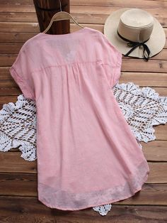 O-NEWE Fashion Embroidery V Neck Blouses for Women can cover your body well, make you more sexy, Newchic offer cheap plus size fashion tops for women. Plus Size Blouses, Plus Size Dresses, Embroidery Fashion, V Neck Blouse, Short Tops, Models, Trendy Tops, Chic Outfits, Blouses For Women