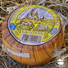 Queso Ahumado de Pria. Tiene un peso aproximado de 500 gr. y una textura suave, con un ligero toque ahumado. Elaborado con leche de vaca y oveja. http://www.elmercadodelnorte.com/categoria-producto/quesos/