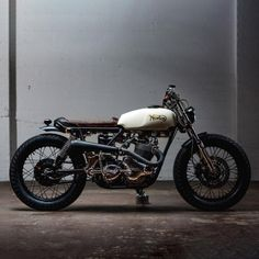 dropmoto: There seems to be a new custom shop opening every...  dropmoto:  There seems to be a new custom shop opening every day making waves and pushing the envelope. But few have made the splash that Canadas @federalmoto made last year when they unveiled their debut build a re-imagined 1974 Norton Commando. Cant wait to see the upcoming 2015 releases scheduled for these crazy Canadians.  Laughing Dog Photography #dropmoto #federalmoto #builtnotbought #caferacer #caferacerporn #bratstyle…
