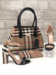 Gucci Shoes, Trending and fashionable Gucci Shoes for sales Gucci Handbags Outlet, Burberry Handbags, Fashion Handbags, Purses And Handbags, Fashion Bags, Fashion Shoes, Gucci Fashion, Hermes Handbags, Handbags Online