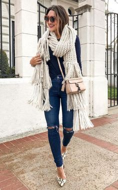ripped jeans street chic