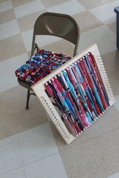 Rug Loom, Loom Weaving, Potholder Loom, Big Rugs, Bedroom Carpet, Chair Pads, Used Clothing, Woven Rug, Pot Holders
