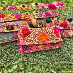 ✨ BELLA CLUTCH ✨ LOS QUEREMOS TODOS!!  #baiga #color #style #moda #fashion #cool #wow #stylish #bags #clutches #sobres #fluor #indian #hindu #look