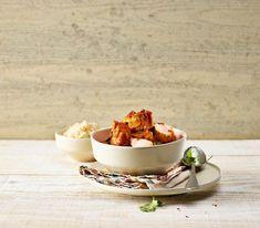 Wer es sehr scharf mag, verwendet bei diesem Blitz-Curry mit Lachs zusätzlich 1-2 rote Chilischoten. Aber Achtung: Auch die Wahl der Currysorte beeinflusst die Schärfe.