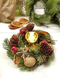 Christmas Wreaths, Table Decorations, Holiday Decor, Home Decor, Packaging, Decoration Home, Room Decor, Home Interior Design, Dinner Table Decorations