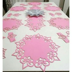 Tree Crafts, Diy And Crafts, Woodworking Shop, Woodworking Projects, Romantic Bedroom Design, Handmade Felt, Decoration Table, Interior Design Living Room, Table Runners
