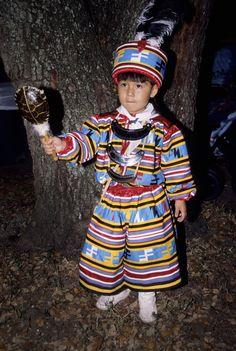 Native American Children, Native American Indians, Native Americans, Seminole Indians, Cowboys And Indians, Seminole Patchwork, Seminole Florida, Patchwork Patterns, Ribbon Work