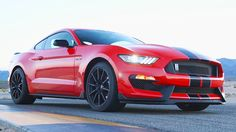 2016 Ford Mustang Shelby GT350: An 8200-rpm Muscle Car to Shame Sports C...
