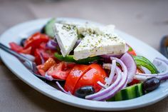 Füllende Snacks, Quick Snacks, Feta, Greek Yogurt Parfait, Lunches And Dinners, Meals, Filling Snacks, Homemade Yogurt, Calorie Diet