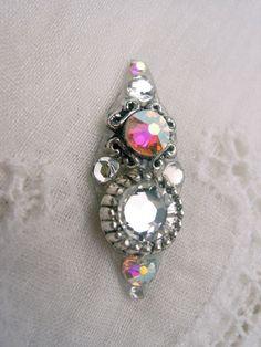 Crystal Delicacy Bindi  swarovski crystal belly by KuhlJewels, $12.00