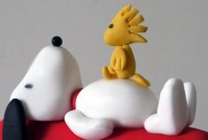 Close up of sugar Snoopy and Woodstock