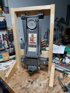Floor Jack stand Garage Workshop Organization, Garage Tool Storage, Garage Shed, Workshop Storage, Garage Tools, Diy Storage, Storage Ideas, Diy Shops, Garage Makeover