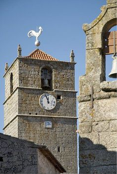 Clock tower in Historical Village Places Around The World, Around The Worlds, Portugal Holidays, As Time Goes By, Azores, Old Building, Portugal Travel, Bouldering, Portuguese