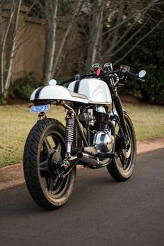 Honda CB400N | Retro Write Up