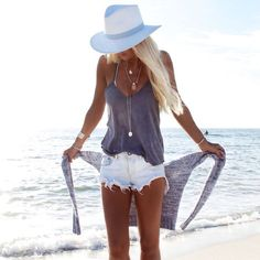 beach vacation outfit inspiration <3