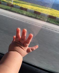 Wallpaper S, Holding Hands, Photo And Video, Instagram Posts, Babys, Future Vision, Manhwa, Illusion, Nashville