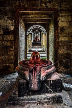 at pashupatinath temple Aghori Shiva, Rudra Shiva, Mahakal Shiva, Shiva Art, Shiva Statue, Lord Shiva Hd Wallpaper, Ganesh Wallpaper, Shri Ganesh, Lord Ganesha