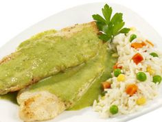 Pescado con Aguacate (Fish with Avocado) - Cuban Recipes Diner Recipes, Fish Recipes, Mexican Food Recipes, Healthy Recipes, Ethnic Recipes, Dinner Dishes, Main Dishes, Good Food, Vegetarian