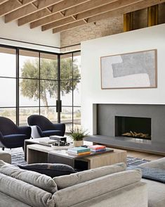 Stunning modern house with a two-story courtyard in Southern California - - Architect Eric Olsen designed this stunning modern house as his personal family home, located in Corona del Mar, California. Home Design, Home Interior Design, Interior Modern, Interior Colors, Interior Plants, Interior Ideas, Interior Inspiration, Design Design, Modern Design