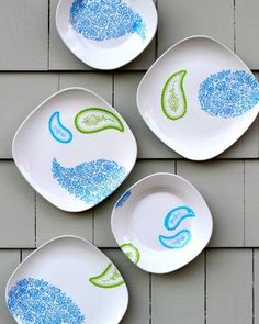 How to create hand-stenciled plates with Martha Stewart Crafts.