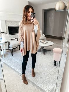 Winter Outfits For Women with uggs Click the link for more. Winter Outfits For Women with uggs Source by clothes Winter Outfits 2019, Winter Outfits Women, Cute Fall Outfits, Winter Outfits For Work, Winter Fashion Outfits, Look Fashion, Autumn Fashion, Fashion Blogger Style, Fashion Black
