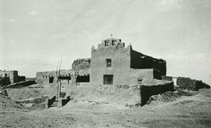 Mission Church, Laguna Pueblo, NM. 1899. Photograph by Adam Clark Vroman. Palace of the Governors Photo Archives.  #lagunapueblo #lagunapueblonm #lagunapueblonewmexico #newmexico #oldnewmexico