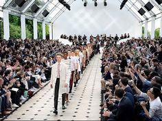 Strait-Laced - The Burberry Menswear Spring/Summer 2016 show ft.tailored silhouettes,lace detailing , super-lightweight scarves and a new addition to The Heritage Trench Coat Cillection , The Chelsea Burberry, Fashion Show, Mens Fashion, Fashion Tips, T Magazine, Lightweight Scarf, Russian Models, Spring Summer 2016, Designer Collection