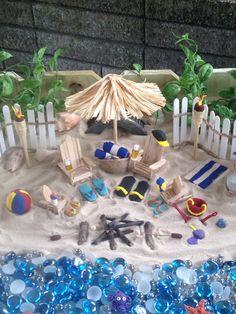 Lovely and Magical Miniature Fairy Garden Ideas 16 Beach Fairy Garden, Fairy Garden Houses, Gnome Garden, Fairy Garden Furniture, Garden Art, Diy Garden Projects, Garden Ideas, Beach Crafts, Miniature Fairy Gardens