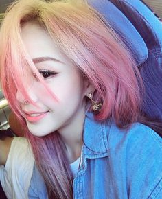 Image about hair in 🎀 pony 🎀 by Ale Fenández on We Heart It Girl With Purple Hair, Pink Hair, Blonde Pink, Pink Purple, Pony Makeup, Hair Makeup, Cute Korean Girl, Uzzlang Girl, Ombre Hair Color