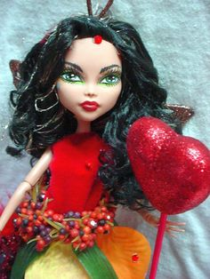 this is one of my ooak monster high dolls I have made and sold you can check out my dolls on ebay:ss4540