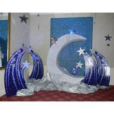 Add our purplish blue Shooting Star Standee set to your theme decor for a spectacular display. These freestanding cardboard props have detailed shooting star images with an star cutout at the top. Birthday Star, 16th Birthday, Altar, Pink Poodle, Party Props, Party Ideas, Star Images, 50th Party, Star Party