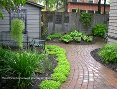 Front yard landscape design with boxwood hedges and for Low growing plants for flower beds