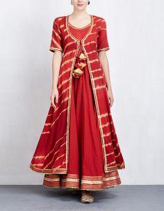 Red Leheriya Anarkali with Jacket Set Pakistani Formal Dresses, Indian Gowns Dresses, Pakistani Dress Design, Pakistani Frocks, Shadi Dresses, Pakistani Couture, Indian Designer Outfits, Indian Outfits, Eid Outfits