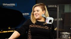 "Kelly Clarkson ""Give Me One Reason"" Tracy Chapman Cover Live @ SiriusXM ..."