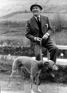 Yooniq images - ALL CREATURES GREAT AND SMALL ROBERT HARDY
