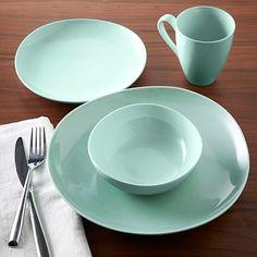 Organic Shaped Dinnerware Set - Mint #westelm SOOOO WANT THESE!!!! 8 settings Contemporary Dinnerware, Modern Dinnerware, Green Dinnerware, Dinnerware Sets, Modern Dinner Plates, Organic Shapes, Kitchen Dining, Mint Kitchen, Dining Room