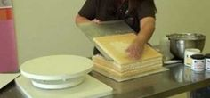 How to level (tort) a cake and add icing filling.