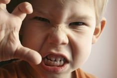What Is Oppositional Defiant Disorder?: How should parents handle a violent child with Oppositional Defiant Disorder? Peaceful Parenting, Gentle Parenting, Parenting Articles, Parenting 101, Practical Parenting, Discipline Positive, Child Discipline, Oppositional Defiant Disorder, Act For Kids