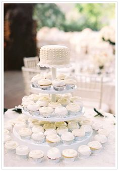 Simple cake with cupcake tiers