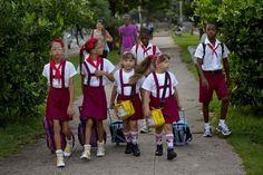 El barrio con 12 parejas de jimaguas en Cuba (+video) #jimagua #gemelos #cuba http://www.cubanos.guru/barrio-12-parejas-jimaguas-cuba/