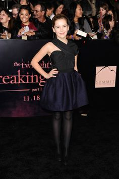 November 2011 - Style Evolution: Kiernan Shipka - Photos