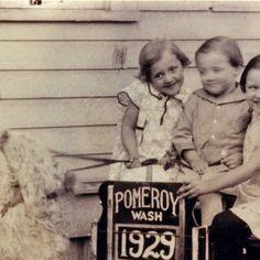 Denison children and goat cart, 1929 :: Garfield County Heritage: http://www.washingtonruralheritage.org/cdm/ref/collection/pomeroy/id/779