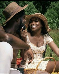 Discovered by $HAYLA🍒. Find images and videos about love, couple and melanin on We Heart It - the app to get lost in what you love. Black Love Couples, Cute Couples Goals, Couple Goals, Couple Pics, Elegant Couple, Classy Couple, Black Girl Aesthetic, Couple Aesthetic, Polly Pocket